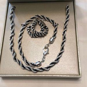 Silver tone jewelry set